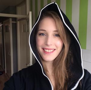 Sheever - female Dota 2 gamer