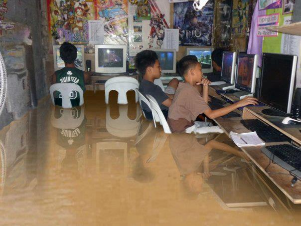 Pinoy Kids Playing Dota 2 in Flooded Cafe - Dota 2 gamers